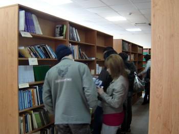 Библиотеката на КИА се обогати с още над 300 тома