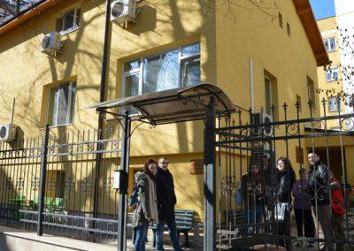 Студентския съвет на ВУСИ дари електроуреди на деца в нужда-1