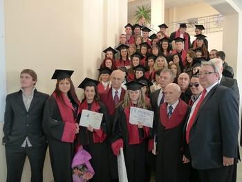 350 абсолвенти от Икономическия колеж получиха дипломи