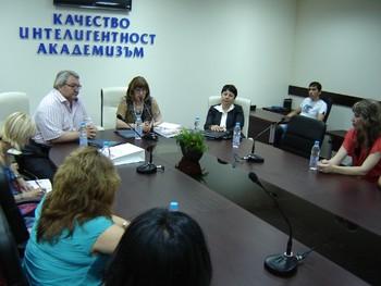 За първи път прием на студенти бакалаври в Центъра за дистанционно обучение на УНСС – Пловдив в учебната база на КИА-Пловдив