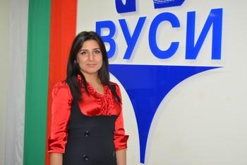 Председателят на Студентския съвет Зорница Захариева: Комуникацията с ръководството на ВУСИ е отлична, трябва и студентите в частните вузове да получават държавни стипендии
