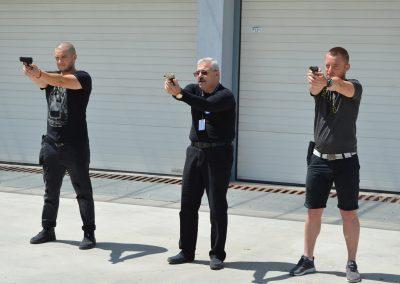 """Практически занятия на студенти от """"Национална сигурност"""" - стрелба с пистолет и охрана 0003"""