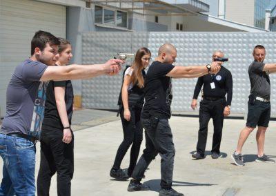 """Практически занятия на студенти от """"Национална сигурност"""" - стрелба с пистолет и охрана 0009"""