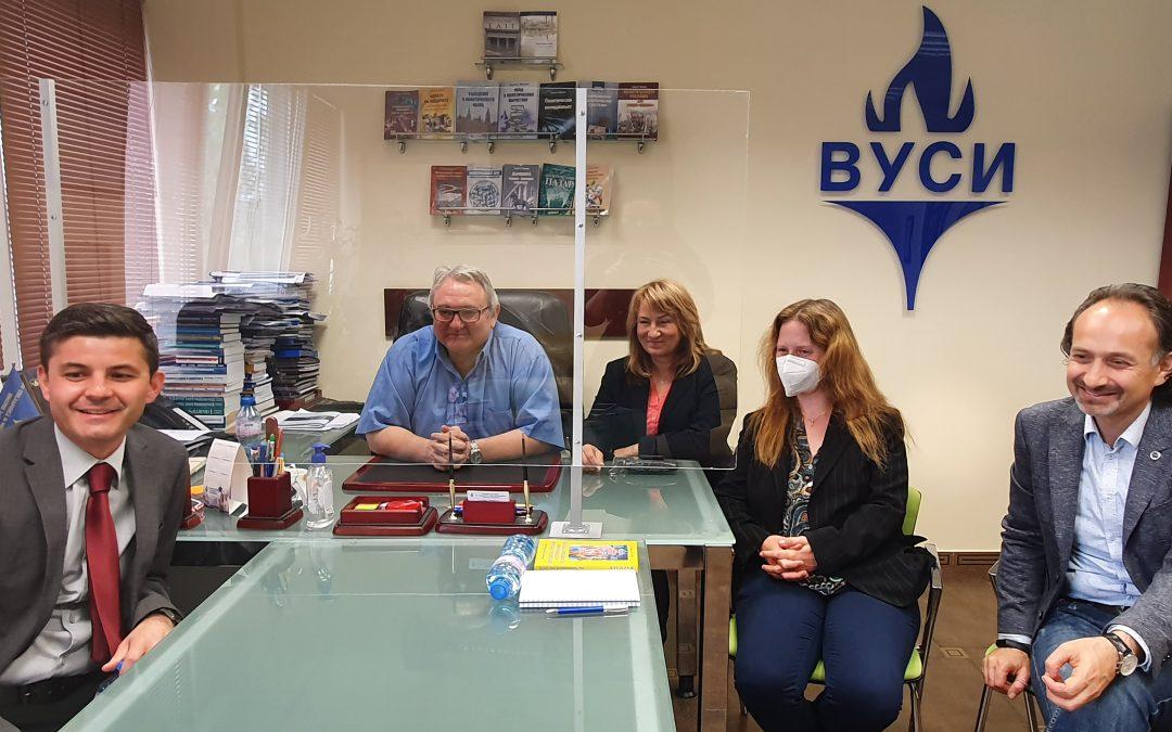 Почетният консул на Италия в Пловдив дойде във ВУСИ за среща с италиански университет